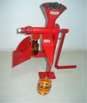 HO oil expeller